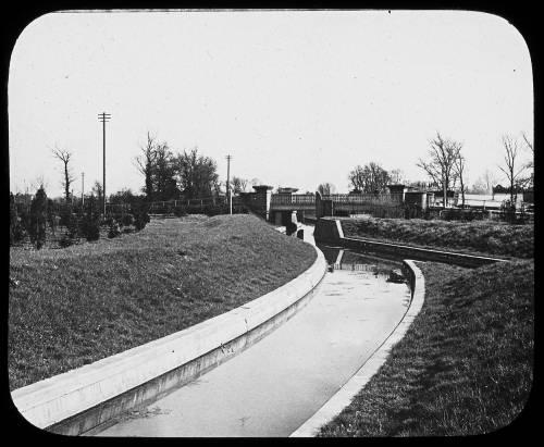 Aqueduct under Staines road