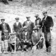1920s The Workforce at the Dunstable Lime Co Ltd Quarry, Sewell