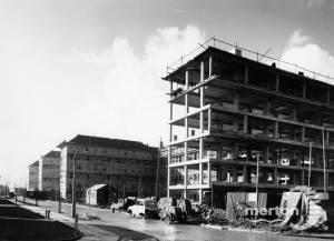 Pollards Hill Estate:  Construction
