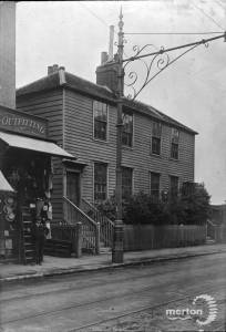 London Road, Mitcham: Francis Family Store to left of picture