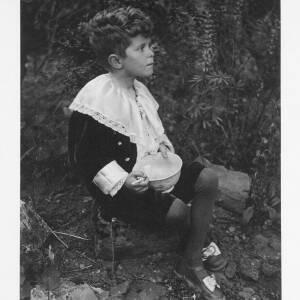 """426 - Young boy in fancy dress """"Bubbles"""""""