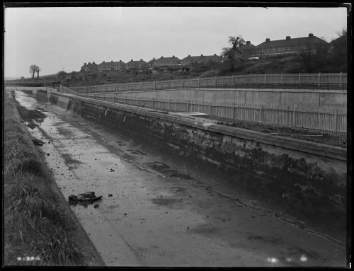 21 foot aqueduct by north east corner of Lockwood Reservoir E17
