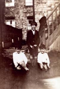 Merton Hall Road, No 94: Neville Woods