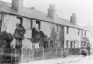 Thornton Road, Croft Cottages