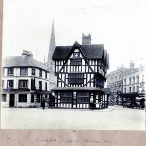 Li14244 Herefordshire - Hereford - Hereford Butchers Row Old House -Photograph was a gift of Messrs Jakemans Ltd Hereford in 1932.jpg