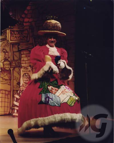 Photograph - Dick Whittington 1988 - Johnny Beattie as dame