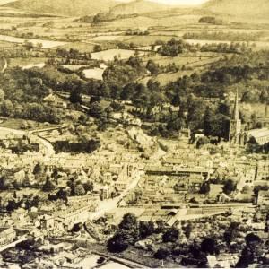 14052 Aerial View Ledbury Cattle Market in foreground.jpg