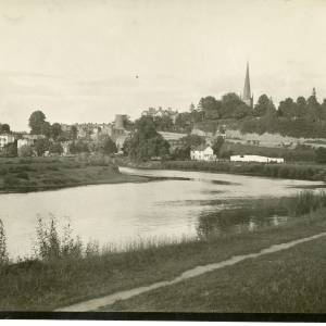 RGE005 - View of Ross on Wye Town from the river.jpg