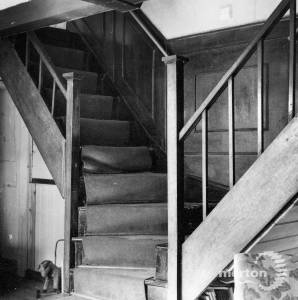 The Lawns, Commonside West, Mitcham:  Double staircase
