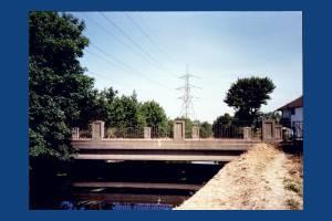 Road bridge over the River Wandle near Deen City farm, Morden