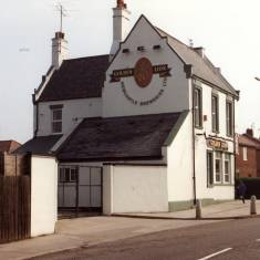 Golden Lion, Green Lane