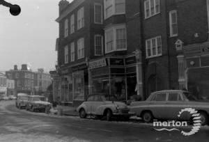 High Street, Wimbledon Village: Newman's Fruit Shop
