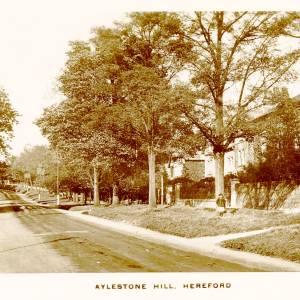 MY15696 Aylestone Hill.jpg