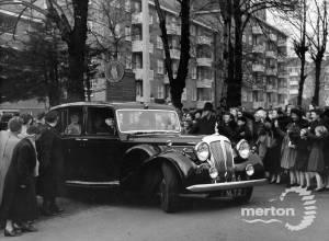 Queen Elizabeth, the Queen Mother leaving Citizens Advice Bureau