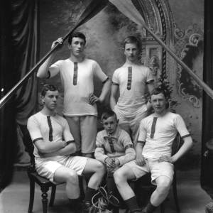G36-285-07 Hereford Cathedral School Boat Club cox and four oarsmen  .jpg