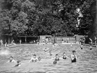 Wandle Park, Colliers Wood, Lido.