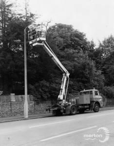 Lamp Post Maintenance, Carshalton Road
