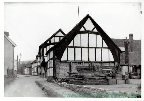 Weobley, Red Lion Barn,1930