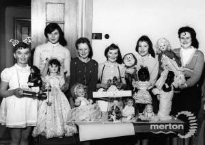 Sherwood Park School: Display of Dolls
