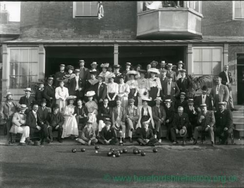 G36-216-01 Group at Hereford Bowling Club .jpg