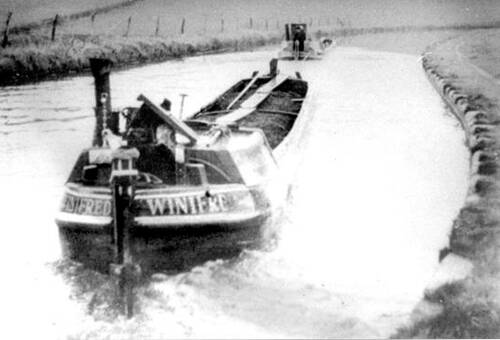 Winifred Barge, on tow