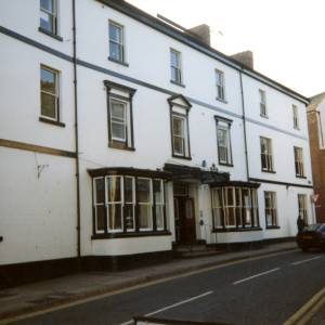 HC006 Swan House, Edde Cross Street, Ross-on-Wye, 1997.jpg