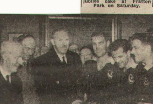 19481127 Arsenal Cake EN