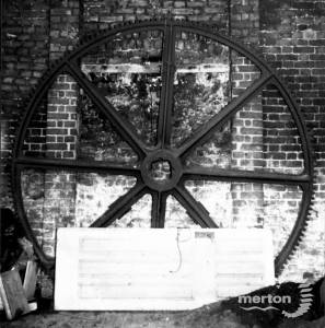 Morden Hall Snuff  Mills: Great Spur wheel
