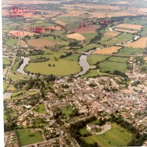 Li14980i Aerial photo of Ross-On-Wye 1988.jpg