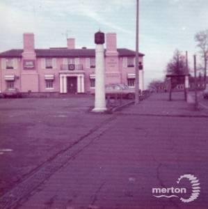 Epsom Road: George Inn and Hotel, Morden