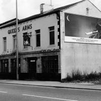 The Queens Arms, public house, Bootle, 1987