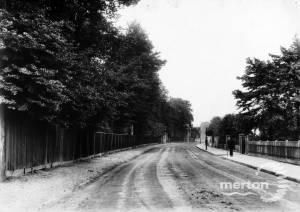 Whitford Lane, Mitcham, looking south.