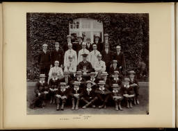 Photograph Album 16 - 1897-1920_0028 Social group 1910.jpg