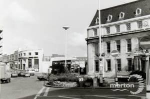 Buses outside Wimbledon Town Hall