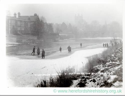 Skating on the Wye, Hereford, 1917
