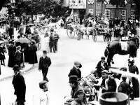 Jubilee parade passing the Kings Head, Lower Mitcham