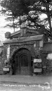 Station Road, Merton: The Priory Gate
