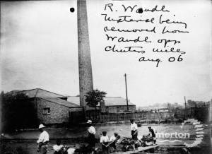 Chuter's Mill: Labourers in the foreground