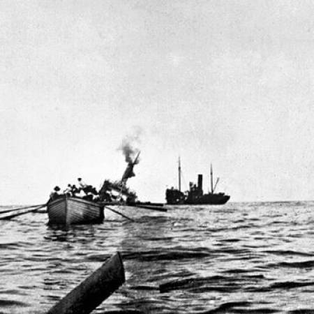 Photo of Troopship HMS Aragon sinking