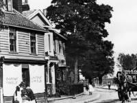 Upper Green, Mitcham: Chart's Store & Three Kings Pond
