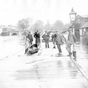 Floods near the Old Bridge in Hereford, Aug 1912.