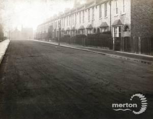Meadow Road, Merton: Looking west