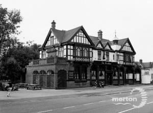 Durnsford Road, Wimbledon Park: The Woodman