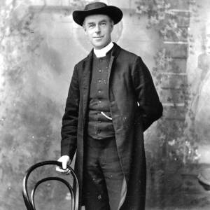 G36-137-01 Portrait clergyman in frock coat and broad brimmed hat.jpg