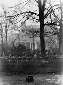 Broadwater House, Kingston Road