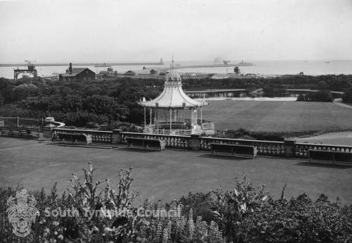 Bandstand in South Marine Park