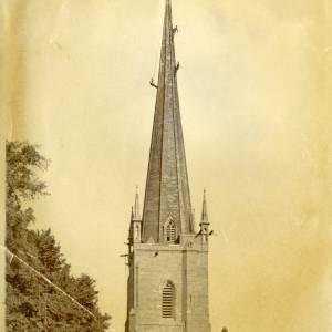 CJS046 Steeplejacks on St Marys Church spire, Ross-on-Wye.jpg