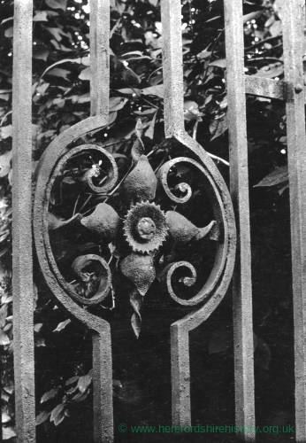 Abbey Dore Rectory, Iron gates detail