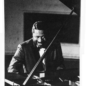 050 - Errol Garner at Piano