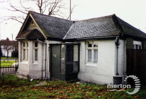 Madeira Road, Mitcham: The Canons Lodge